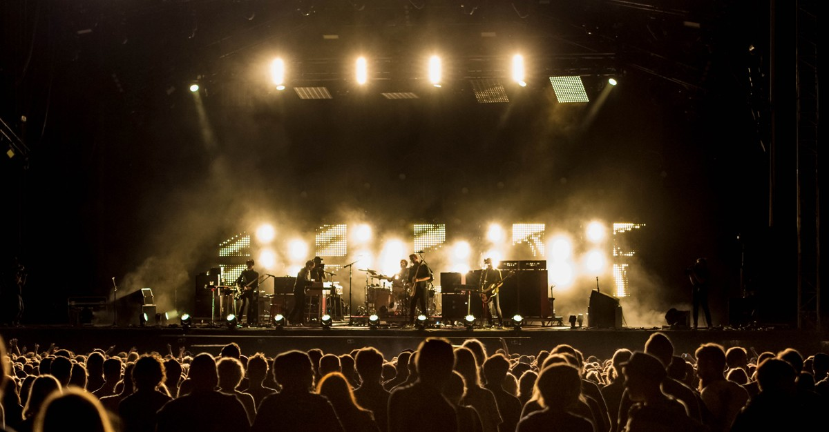 publik queens of the stoneage way out west 2014